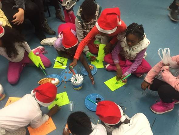 """We celebrated """"Hanuchristmas"""" - activity for parents and children, with the participation of volunteers from the """"Uri's Dreydel"""" association. Thanks to all the volunteers!"""