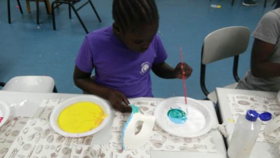 Art class alows us to ste the mind free and use all our imagination.